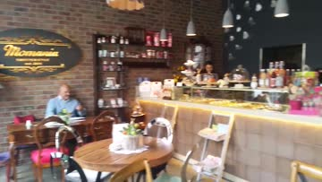 Momania Conceptstore & Cafe